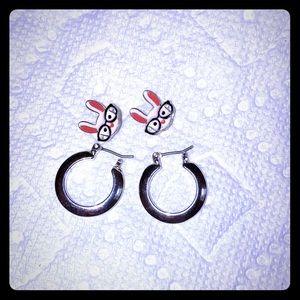 Two earrings set